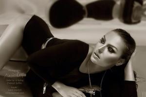 Laura Scanlon talks to Ann-Marie Carey Makeup - 01